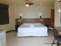 lost-horizon-beach-resort-suite-room-4
