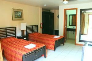 deluxe-room-lost-horizon-resort-alona-beach-panglao-bohol-philippines